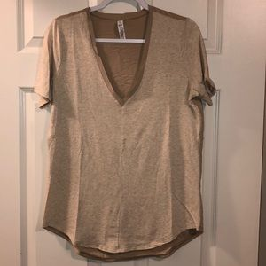 Under Armour All Season Gear Loose Fit V-Neck